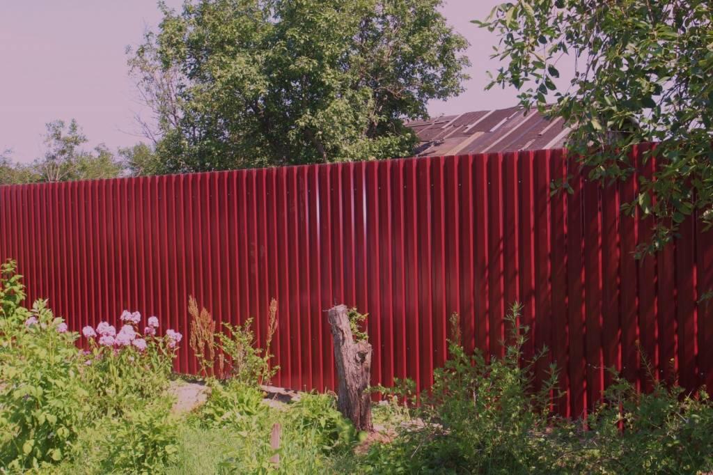 Забор из профнастила в Рузе